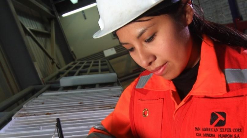 Lee más sobre el artículo Pasco: Comunidad Campesina de Huayllay se beneficia con oportunidades laborales en mina Huarón
